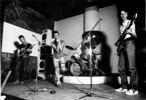 chaos-generation-sofita-1982